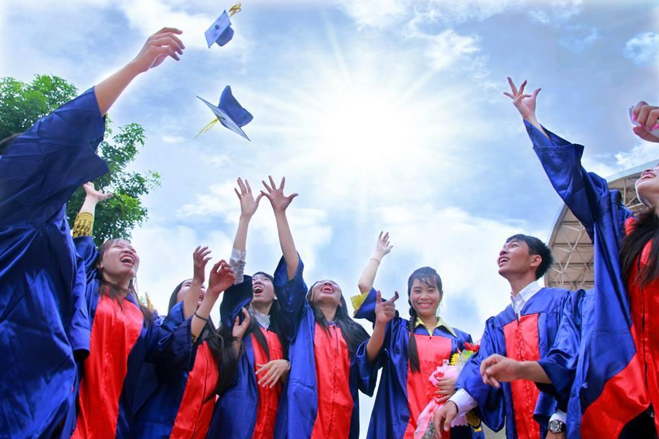 Image result for sinh viên đại học tiền giang tốt nghiệp