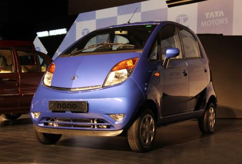 tata motors case In this paper the author has examined the growth of the indian automobile giant tata motors, both domestically and internationally the study relates to the period from the 1999 recession to the present and has used the strategic formulation steps.