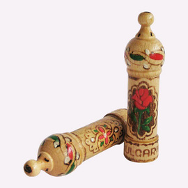 Tinh dầu hoa hồng từ thung lũng hoa hồng Bulgaria