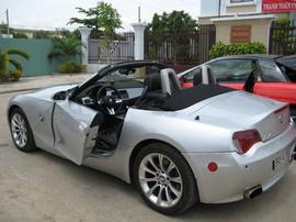Cho thuê xe tự lái, xe cao cấp, đặc biệt BMW Z4 Sport 2 cửa mui trần