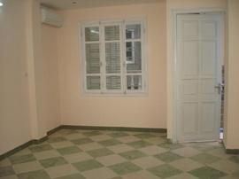 Cho thuê căn hộ mini mới xây phố khâm thiên, gần rạp dân chủ