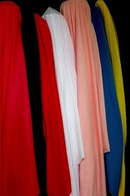 Chuyên bán sỉ-lẻ các loại vải sợi nam-nữ gồm: