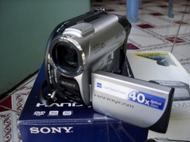 Bán máy quay phim sony dvd 108 nhỏ gọn tiện đi du lịch và quay gia đình