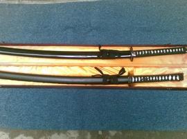 Cần bán 1 đôi kiếm nhật dùng để luyện tập hoặc trưng bày