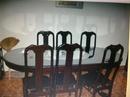 Bà Rịa-Vũng Tàu: Bộ bàn ghế gỗ căm xe , 1 bàn hột xòai 6 ghế ngồi 1 mặt kính 10 li ( còn đẹp mới CL1027718