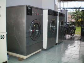 Bán thanh lý máy giặt công nghiệp củ, máy sấy công nghiệp củ, máy ủi cn củ