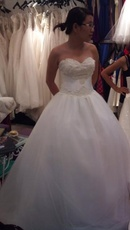 Tp. Hà Nội: Mình vừa may váy cưới ở hàng Quyên Nguyễn cách đây 1 tháng và đã mặc 1 lần CL1071018