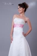 Tp. Hồ Chí Minh: Áo cưới mang phong cách Châu Âu sang trọng CL1071018