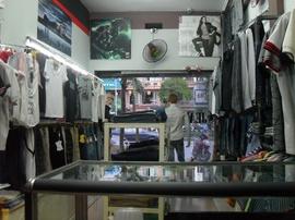 Tuyển nhân viên bán hàng tại SHOP MEN, làm ca chiều từ 14h00 đến 21h00