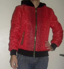 Áo khoác nữ màu đỏ