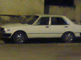 Cần bán xe Honda Accord đời 1981 màu trắng, nội thất đẹp.