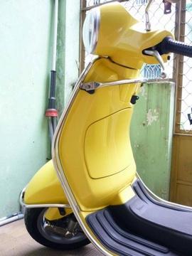Cần bán 1 Vespa LX 150cc của ý màu vàng