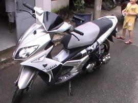 Cần bán 1 chiếc nouvo LX màu trắng giá 28tr8 trăm