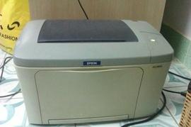 Bán máy in Epson Laser EPL 5900L, còn xài tốt, do mình đang cài window 7 nên ko