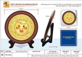 Thiết kế, quảng cáo quà tặng theo yêu cầu, bút, móc khóa, huy hiệu, pha lê, đồng hồ