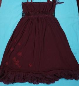 Mình có vài cái áo đầm mặc dự tiệc cực sang và đẹp muốn để lại cho bạn nào cần
