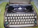 Tp. Hồ Chí Minh: Bán máy đánh chữ nhỏ gọn như laptop giá 800 ngàn. CAT68_91_113