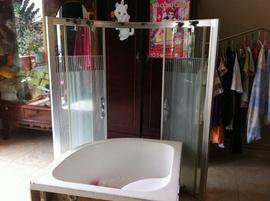 Bán 2 bồn tắm mới đẹp giá bèo
