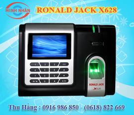 máy chấm công vân tay và thẻ cảm ứng Ronald Jack RJ-X628. khuyến mãi + giá rẻ