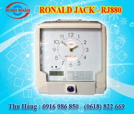 máy chấm công thẻ giấy Ronald Jack RJ-880. in búa độc đáo phù hợp cho các KCN