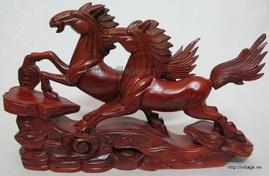 đồ gỗ mỹ nghệ: lọ hoa gỗ, đồ trang trí gỗ, tượng gỗ, vòng tay gỗ. ..