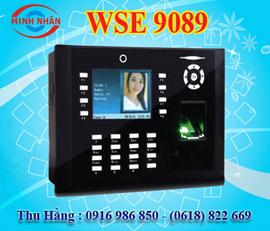 máy chấm công vân tay và thẻ cảm ứng wise eye 9089 lưu lại hình ảnh khi chcông