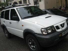 Bán gấp xe Nissan Terano 7 chỗ 2 cầu cực rẻ của đại sứ quán