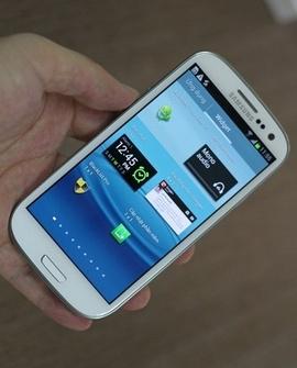 glaxy S3 i9300 xách tay mới 100% giá khuyến mãi cuc re