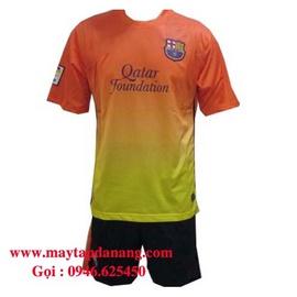Quần áo bóng đá siêu rẻ siêu khuyến mạichỉ với 90k/ bộ, đồ dùng quần áo thể thao