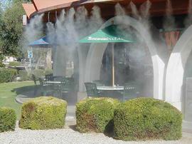 Hệ thống phun sương phun hơi tự động cho quán bia, quạt