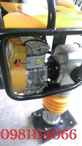 Máy đầm cóc chạy xăng Trung Quốc RM80, đầm đất HCR90