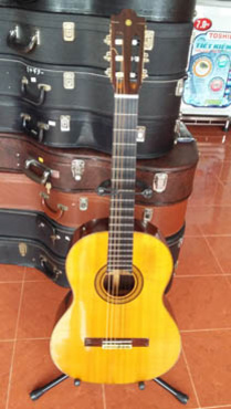 Bán guitar Yamaha Nhật 400