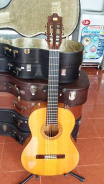 Bán guitar Tây Ban Nha Jose Antonio 12F