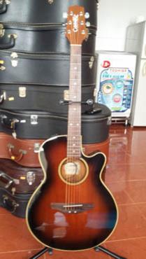 Bán guitar có EQ Cooder Takamine CP 50