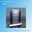 Tp. Hồ Chí Minh: Cơ sở sản xuất kỷ niệm chương pha lê, biểu trưng pha lê giá rẻ CL1660722