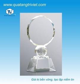Cơ sở sản xuất biểu trưng gỗ đồng, pha lê, thủy tinh công ty Trí Việt