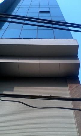 **** Bán tòa nhà, diện tích 210m2, mặt tiền 16m, hai mặt đường