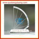 Tp. Hồ Chí Minh: Sản xuất kỷ niệm chương, biểu trưng gỗ đồng, pha lê thủy tinh CL1696651