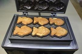 Máy làm bánh cá taiyaki, máy làm bánh cá nướng