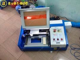 bán máy laser khắc mica