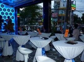 cho thuê bàn cocktail cho thuê bàn bar cho thuê bàn ghế bas gias rẻ 097800692