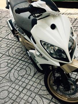 Nouvo 4 LX 135cc 211, màu trắng, trùm mền, máy móc zin