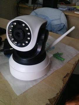 Camera IP giám sát đơn giản, đàm thoại 2 chiều