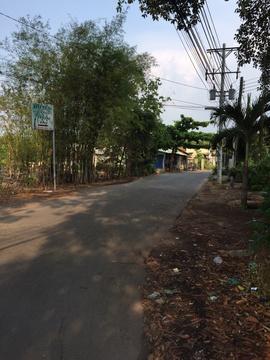 h. *$. . Cần bán gấp lô đất gần chợ Phú Mỹ, đường Huỳnh Văn Lũy. 4tr/ m2