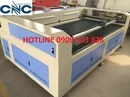 Tp. Hồ Chí Minh: Máy Laser cắt vải tự động có đầu cuộn giá rẻ CL1700062