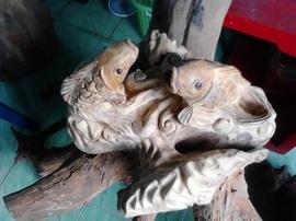 tượng gỗ xá xị thơm song ngư nhả ngọc