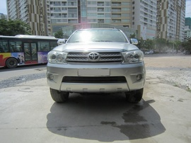 Cần bán Toyota Fortuner 2. 7 4x4 2009 AT, 665 triệu