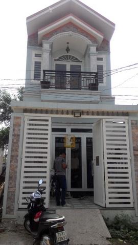 Bán căn nhà 1 trệt 1 lầu đường hẻm lớn xe tải đường Lê Đình Cẩn, DT 4x9m