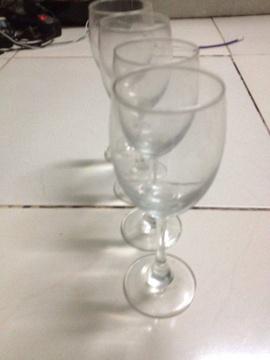 cho thuê ly uống rượu vang cốc chén đĩa chén bát đĩa nhiều loai978004692