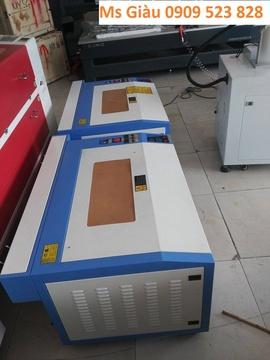 Máy Laser làm con dấu, cắt khắc mica giá rẻ